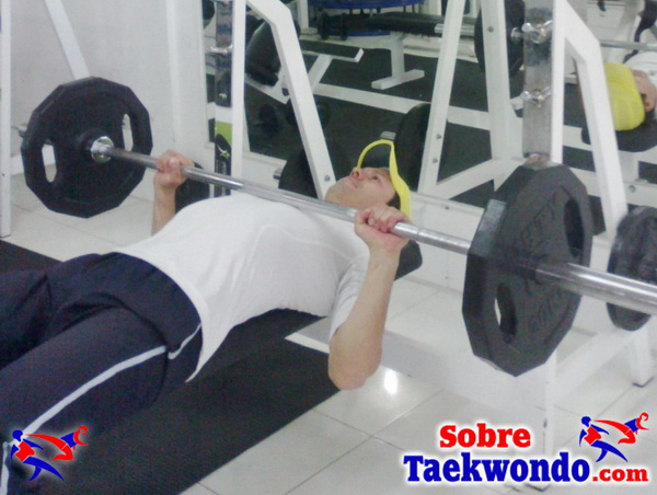 Fuerza acostado abajo Taekwondo